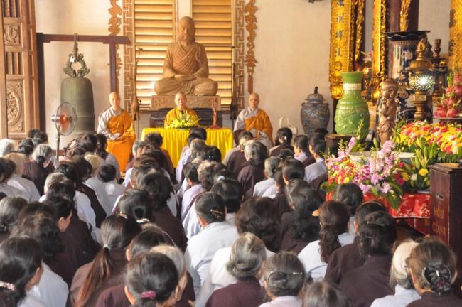 Hà Nội: HT Thích Bảo Nghiêm giảng pháp tại chùa Võng Thị