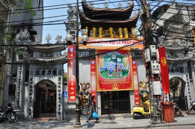 Hà Nội: Không khí chuẩn bị mùa Phật đản