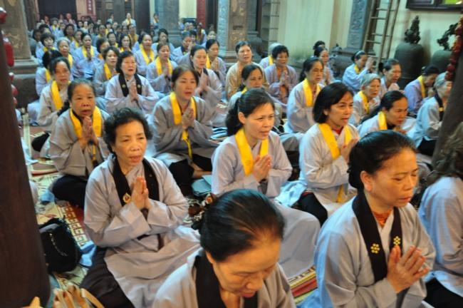 Đại đức Thích Lệ Minh giảng pháp tại chùa Lý Triều Quốc Sư