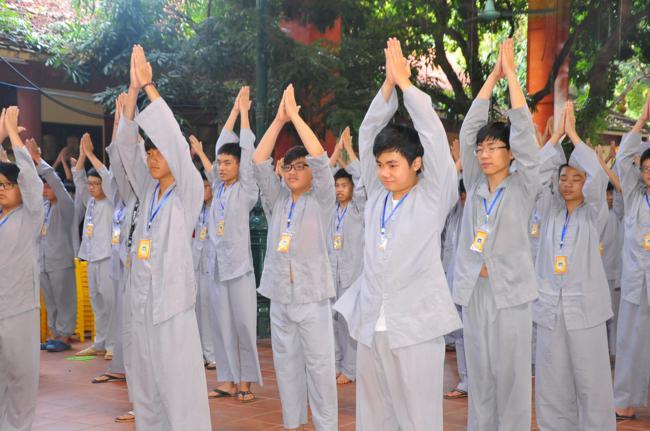 """Ngày thứ hai của khóa tu tuổi trẻ """"Nguyện theo hạnh Phật"""""""